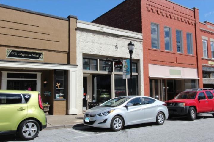 LEASED – 213 Trade Street, Greer